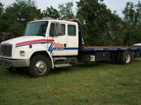 2000 Freightliner Model FL-70, 24 foot bed, with wheel