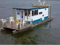 35' houseboat completely remodeled. Built in 1973, this