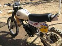 Hey! Im selling a vintage yamaha it 175 2 stroke dirt
