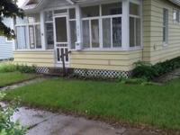 3 bedroom house only 8 blocks from WSU! central air,