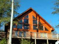 Spacious 3 bedroom log look cabin with stunning views,