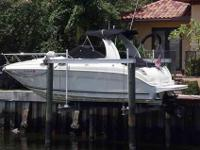 2004 Sea Ray 260 SUNDANCER This is a Brokerage boat.