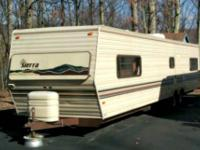 36 foot travel trailer / camper in really well shape.