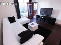 Stay at the RESORT STYLE HOLLYWOOD LUXURY APARTMENT