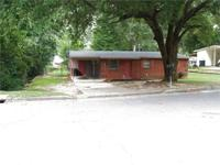 WONDERFUL 3br/1ba is on wonderful street, has covered