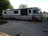 For sale: 38 ft. 1995 Fleetwood Bounder,75,000 miles,
