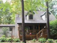 Nature lovers dream! Wooded and private, with trails