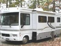 2004 Winnebago Sightseer In excellent condition with