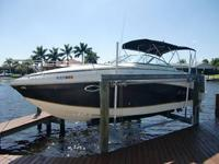 Like new 2005 Rinker 250 Fiesta Vee, one owner boat