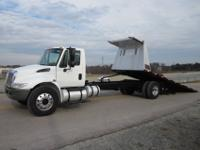 2007 International 4300 26' Rollback, DT-466 Engine,