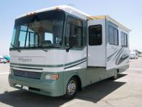 2004 Monaco Monarch 30PDD. 30' class A gas. Less than