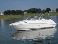 2006 Sea Ray 240 SUNDANCER The 240 Sundancer is a grand