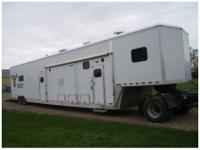 1998 53 ft Camping trailer, very clean and in great