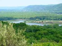 Great location on the Lower WI River Valley for the