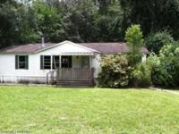 Check it out! 3/2 nice fixer upper! Don't miss your