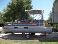 1986 Pontoon Bass Tracker Boat 20ft, 35 Mercury Motor