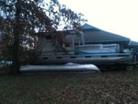 1995 HARRIS, 28' PONTOON BOAT WITH A 1995 YAMAHA MOTOR,