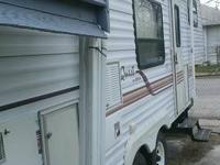 very nice clean 5th wheel everything works inside and
