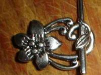 set of 4 toggle clasps--Silvertone flower design, for