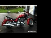 "Here is a ""like new"" 2005 Victory Kingpin Deluxe! The"