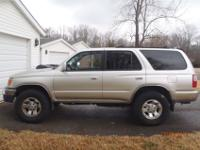 1999 Toyota 4Runner SR5 4x4 for sale. Excellent