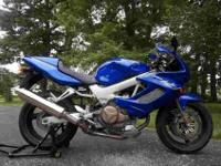 Up for sale is a 2003 Honda Superhawk 996 with only