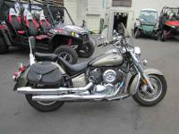 2005 YAMAHA V STAR 1100 CLASSIC, Two Tone Raven/Liquid