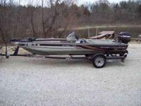 1999 Tracker Pro Team 175 Special Edition. Boat has a