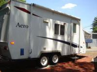 2002 Aerolite Cub 19.5 travel trailer. Sleeps 5, 2