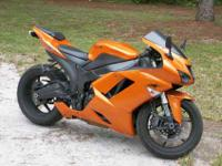 2008 Orange Kawasaki Ninja ZX6R. 10,600mis!!! The bike
