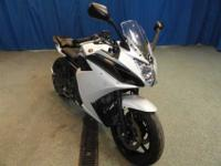 2009 Yamaha Maxim YZF, White, Black, CLEAN CARFAX JUST