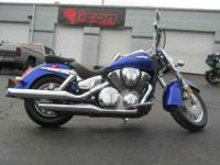 2006 HONDA VTX1300S (VT1300S), Bright Blue Metallic,