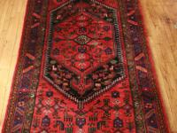 This authentic Persian Hamadan Rug / carpeting is