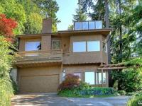 Enjoy Puget Sound & Olympic Mt views. Spacious 2-story