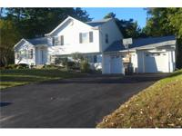 """Priced to sale """" this beautiful house with 4 bedroom 1,"""
