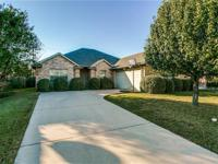 Beautiful home in Red Oak. You will love the open and