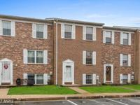 Lovely townhome, in West Shore community, invites a