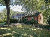 Open house 1/29 2 to 4. This home is in great shape you