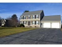 Beautiful 4 Bed Colonial w/ 2 1/2 Baths in Superb Cul