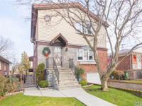 Mint Condition !! Detached Updated Large 1 Family,