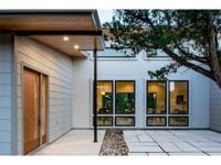 Amazing new custom home built on beautiful hill country