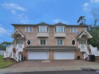 beautiful and spacious townhouse recently built located