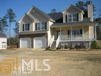 Beautiful 4Bed 3.5 Bath Traditional Home Sitting On 1