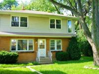 Beautiful Remodeled Large home in the Bridgeview
