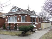 Incredibly rehabbed brick bungalow w/ 5 bedrooms & 3