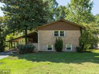 Just minutes from Mount Vernon & the Potomac.Spacious