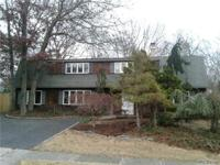 Large 4 Br, 3.5 Bths Colonial On Level .25 Acre, Eik,