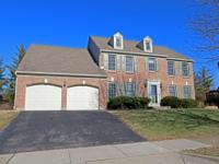 Beautiful, marvelous maintained classic brick 2 story*