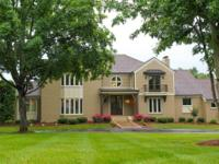 Wonderful executive home in exclusive Mt Ayr