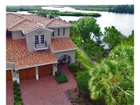 Fabulous paired river estate! This beautifully